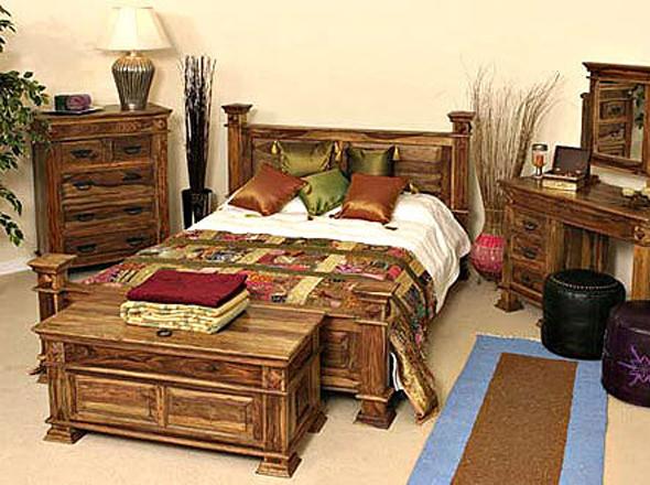 создает деревянные интерьеры, делает мебель под старину, мебель в москве...